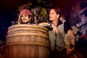 Johnny Depp visita Disneyland Paris